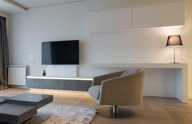 Tv-meubel op maat met een bureau