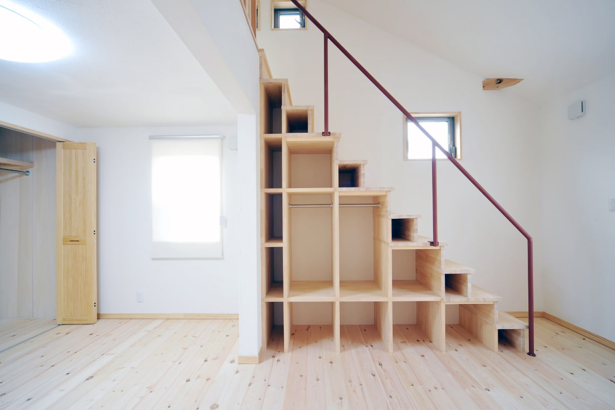 ingebouwde kast onder trap
